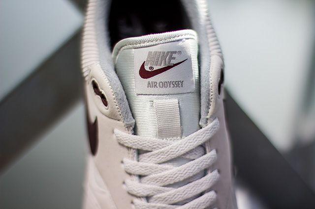Nike Air Odyssey Light Bone 7