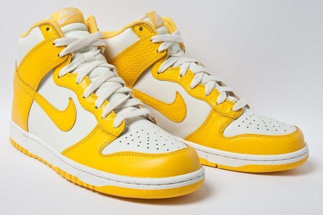 Nike Dunk High Varsity Maize 3 4 1