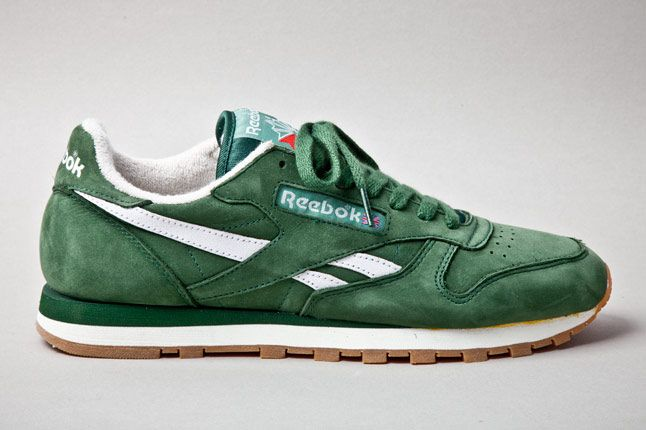 Reebok Classic Leather Vintage Racing Green Profile 1