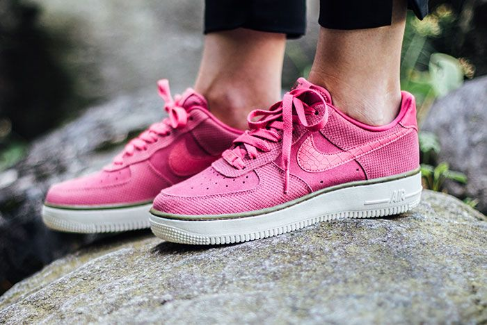Nike Air Force 1 Low Wmns Pink 1