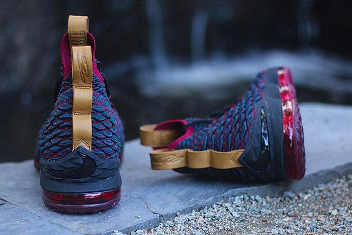 Nike Le Bron 15 Cavs3