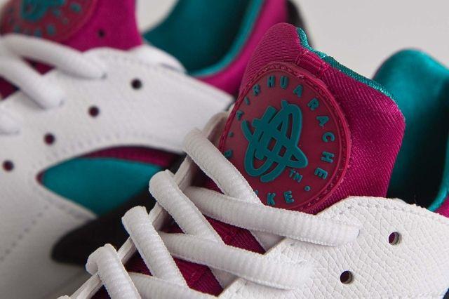 Nike Hua Radiant Emerald Fuschia Bumper 2