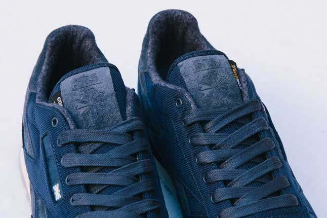 Sneakersnstuff X Reebok Classic Tongue Pair Detail 1