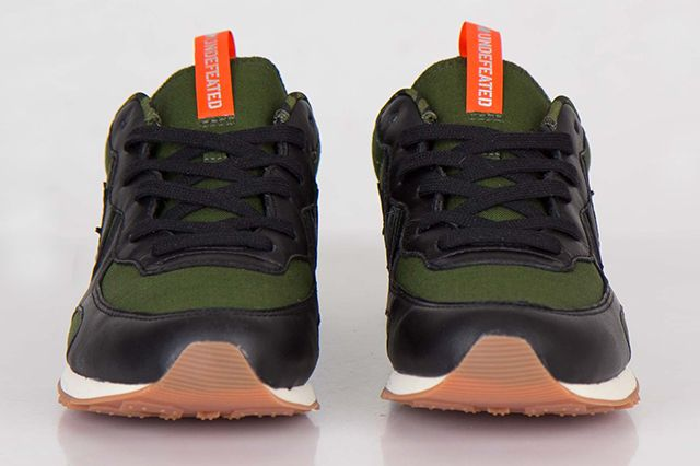 Undefeated Converse Auckland Racer Ox 4