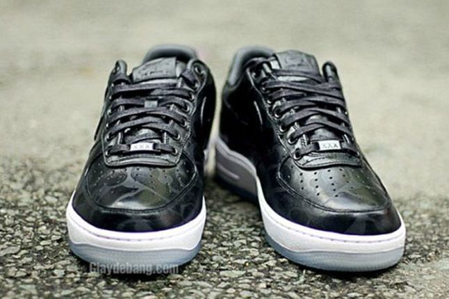 Nike Air Force One 1 Supreme Black Camo Front 1