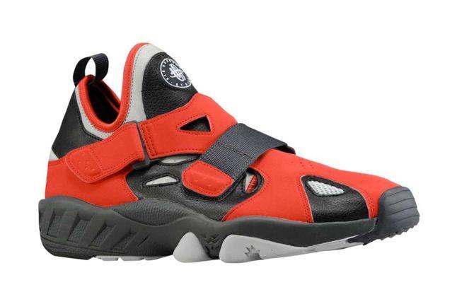 Nike Air Huarache Trainer 94 Red Profile 1
