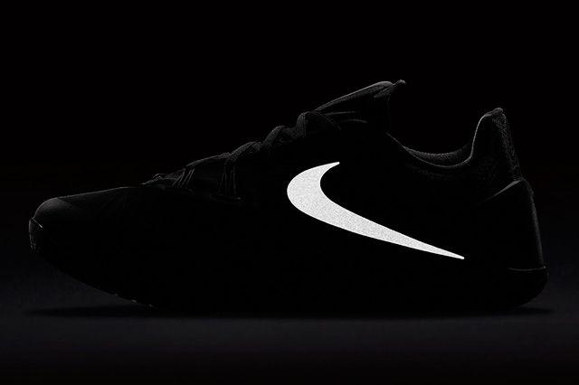 Nike Hyperchase Black5