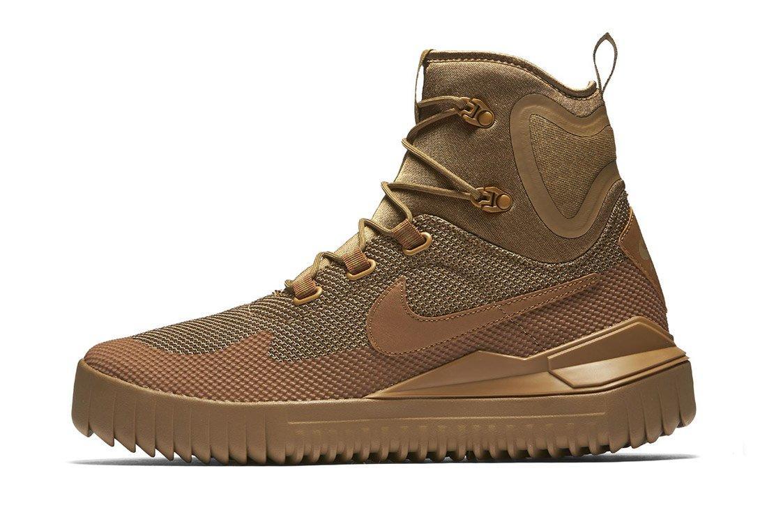 Nike Air Wild Mid 9