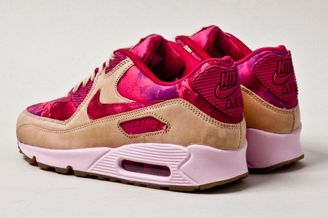 Nike Air Max 90 Womens Floral Tan Heel 1