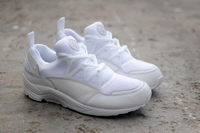 Nike Huarache Light Triple White Bumper 4