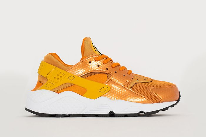 Nike Air Huarache Sunset Gold