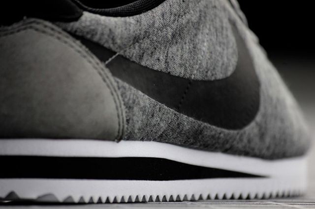 Nike Cortez Tech Fleece Tumbled Grey 5