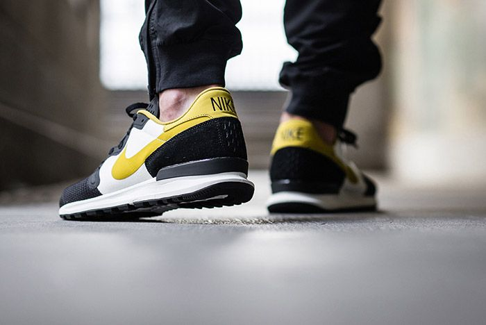 Nike Air Berwuda Black White Peat Moss On Feet 1