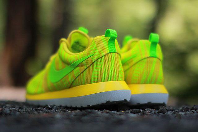 Nike Roshe Run Charm Yellow Heel