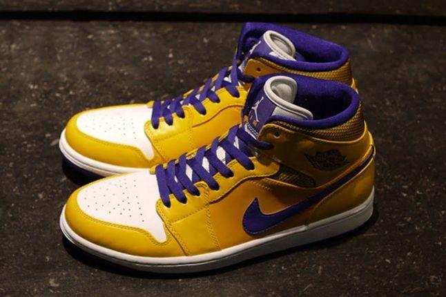 Air Jordan 1 Lakers Pair 1