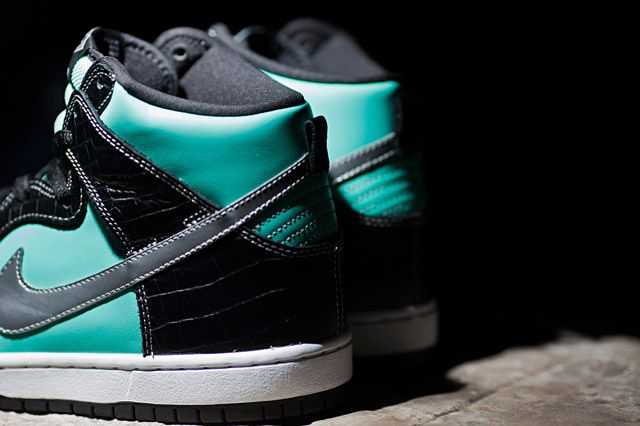 Diamond Supply Co X Nike Sb Dunk High Tiffany Heel