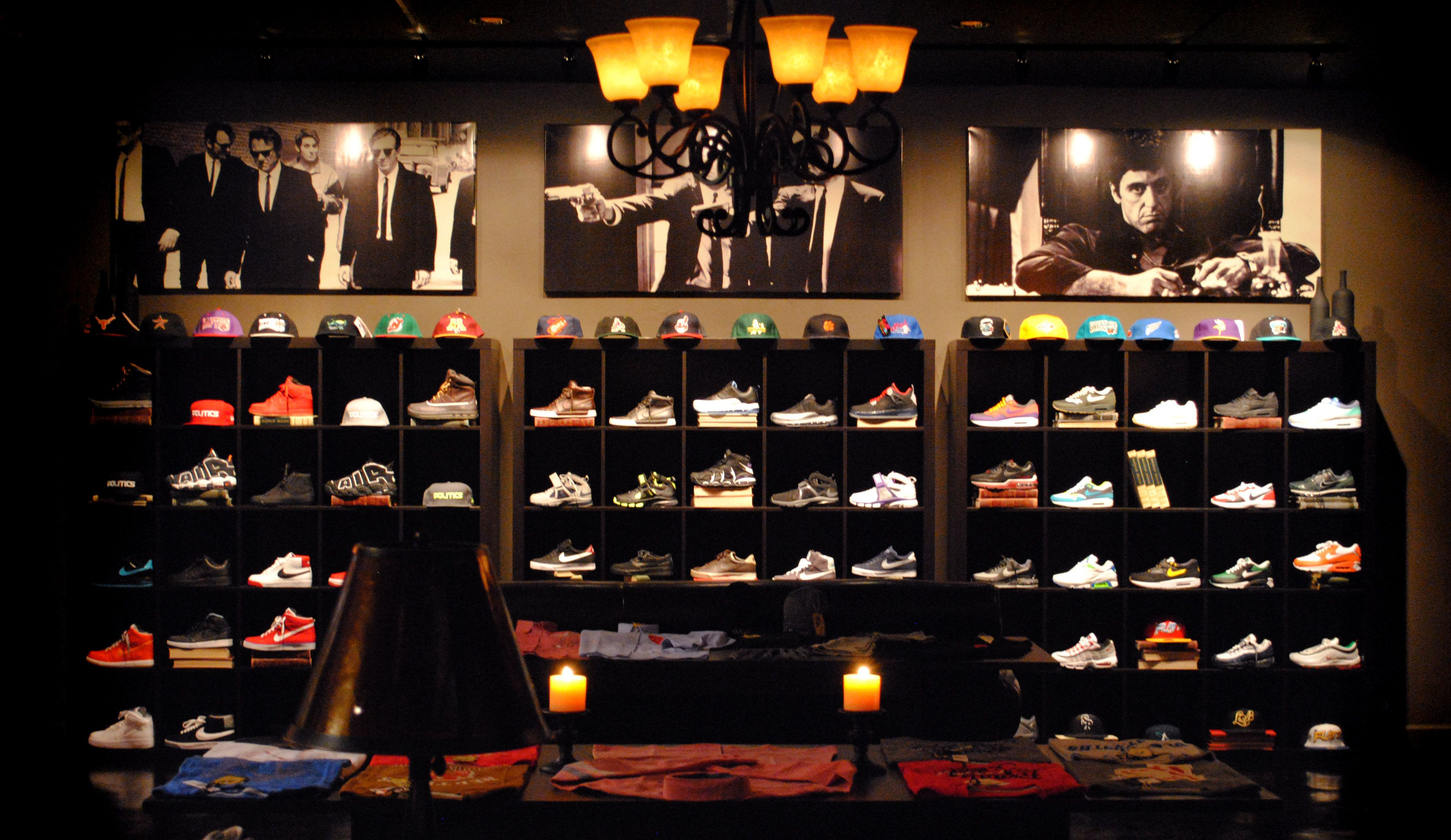 Sneaker Politic Shoe Wall