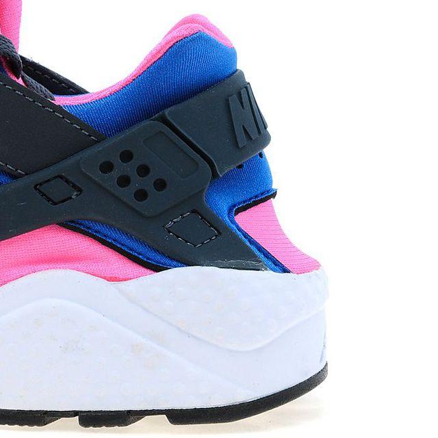 Nike Air Huarache Cobalt Magenta 3