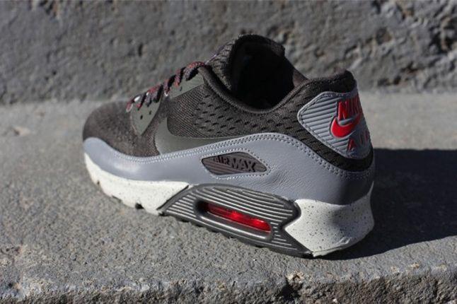 Nike Air Max 90 Em Tianjin Heel Detail 1