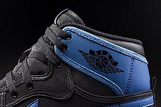 Air Jordan 1 Ko Royal Closeup