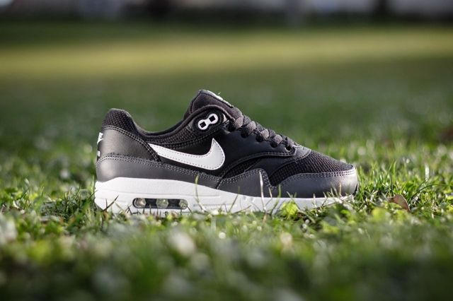 Nike Air Max 1 Gs Black Dark Grey 11