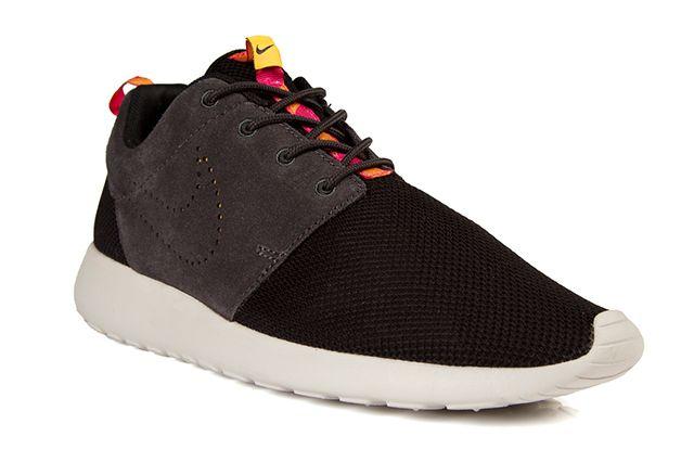 Nike Roshe Run Perf Swoosh Black Grey Pink 2