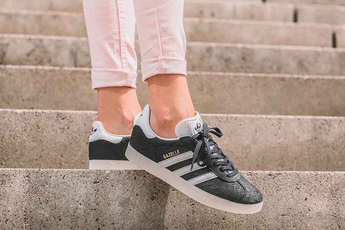 Adidas Gazelle Wmns Core Black Crystal White Chalk White 1