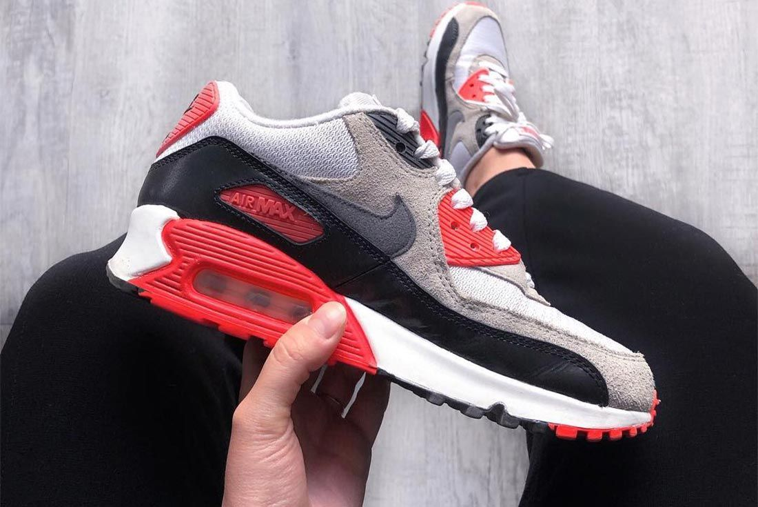 Nike Air Max 90 Infrared Header Lateral Side Shot