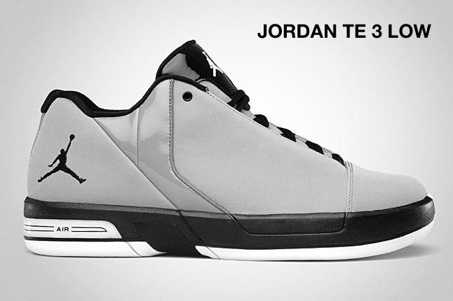 Jordan Te 3 Low Stealth 1