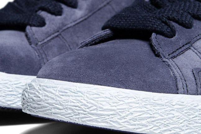 Nike Blazer Mid Suede Obsidian Deep Royal Toebox 1