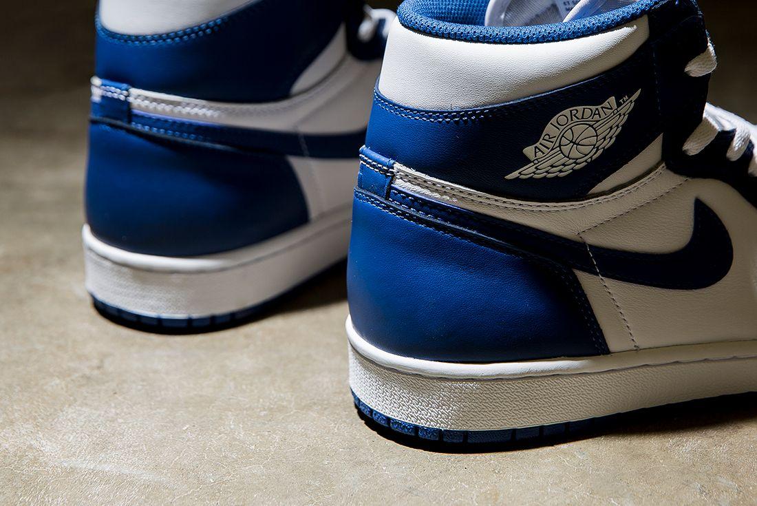 Air Jordan 1 Storm Blue3