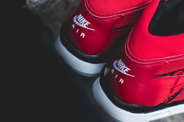 Nike Air Tech Challenge Hybrid Chilling Red 4
