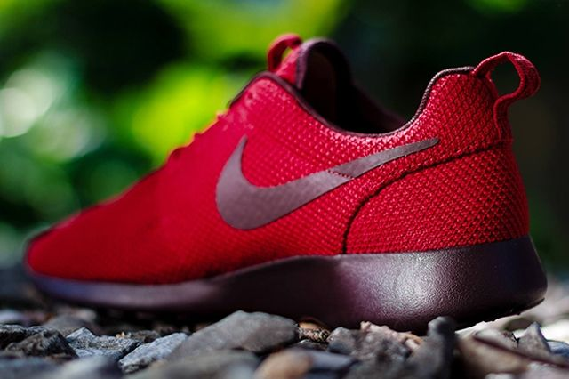 Nike Roshe Run Gym Red Deep Burgundy 3