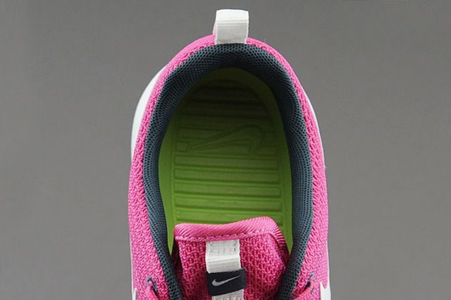 Nike Wmns Roshe Run Cotton Candy 1