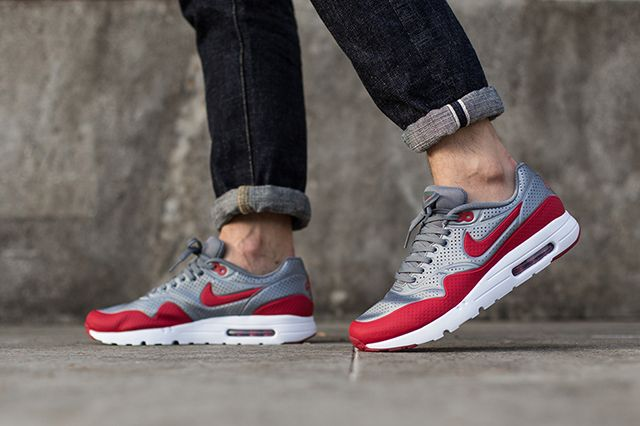 Nike Air Max 1 Ultra Moire Metallic Cool Grey Gym Red 2