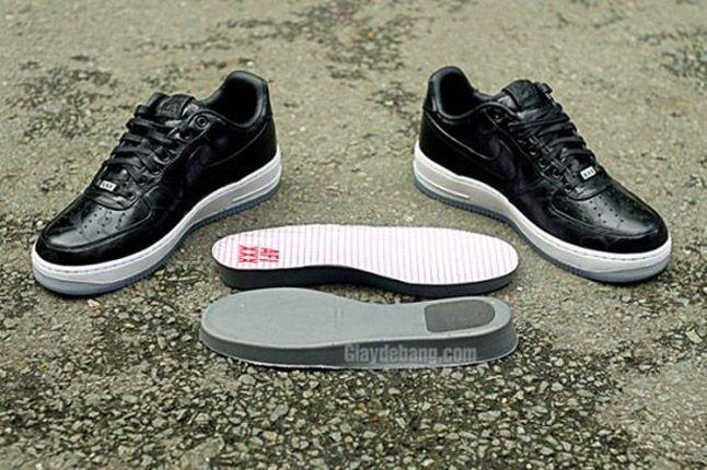 Nike Air Force One 1 Supreme Black Camo Heels Pair 1