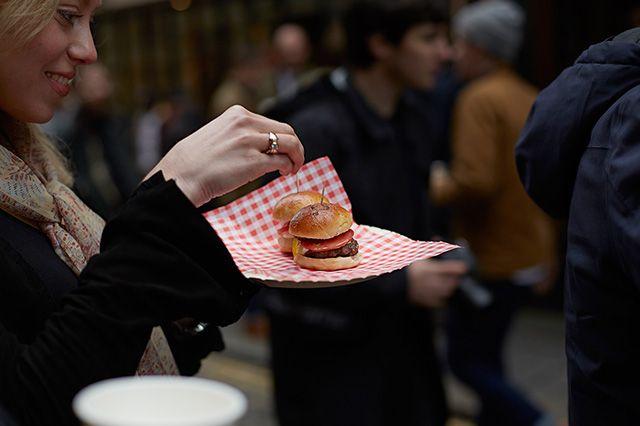End Saucony Shadow 5000 Burger Launch Recap