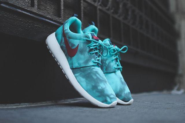 Nike Roshe Run Hyper Jade 6