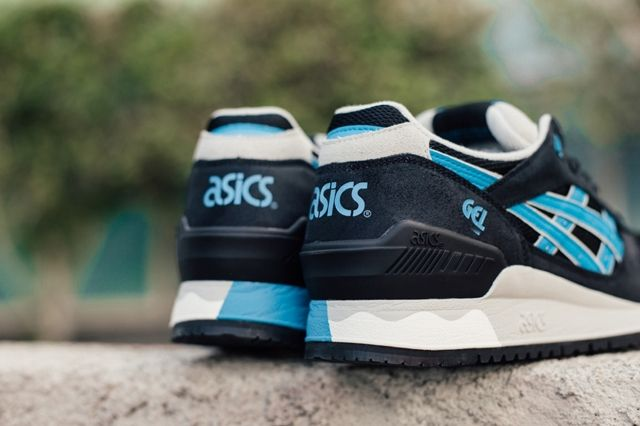 Asics Gel Respector Black Atomic Blue 2