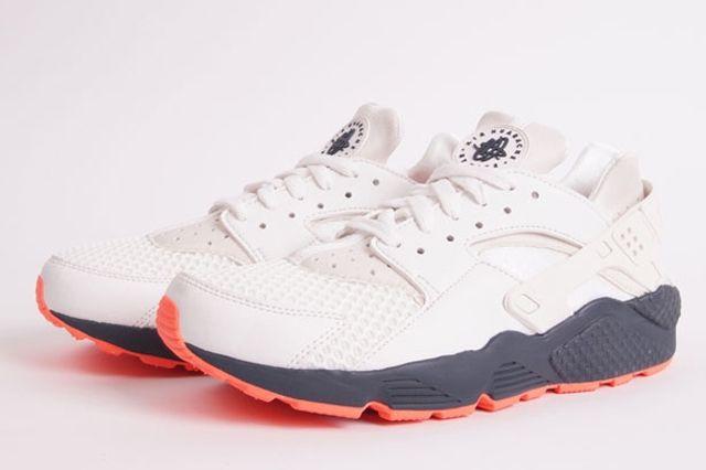 Nike Air Huarache White Grey Crimson 3