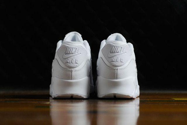 Nike Wmns Air Max 90 Triple White 3