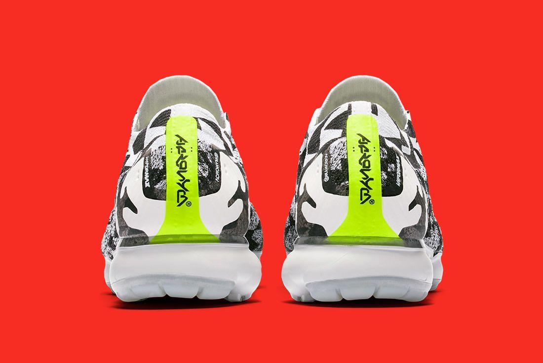 Acronym Nike Air Vapormax Moc 8
