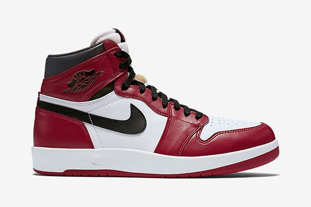 Air Jordan 1 5 Chicago2