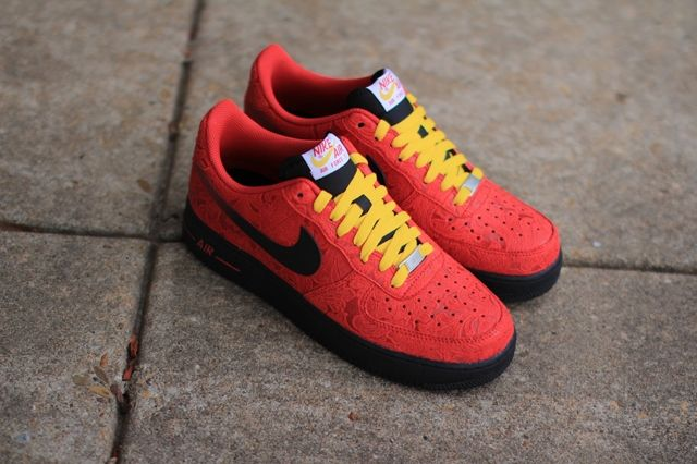 Nike Air Force 1 University Red Paisley 2