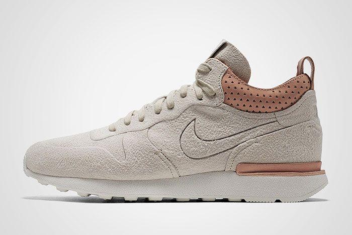 Nike Internationalist Mid Royal Sand Thumb