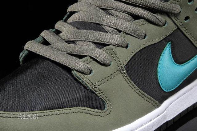 Nike Sb Dunk Low Olive Turbo Green 3
