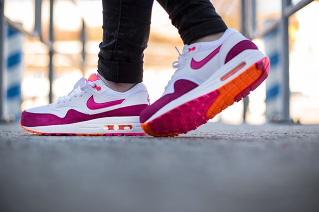 Nike Air Max 1 Wmns Pink Power 2