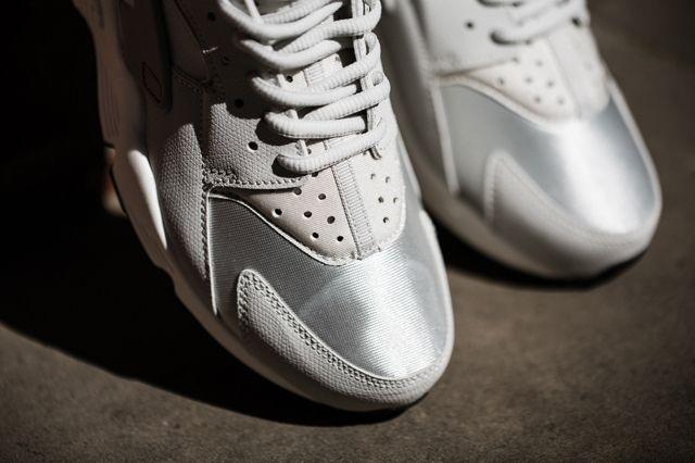 Nike Huarache Wmns Light Bones 2