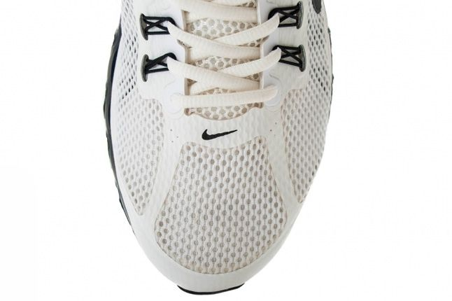 Nike Air Max 2013 Summit White Profile Toe 1