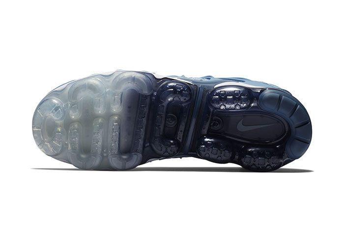 Nike Vapormax Plus Ice Blue 5